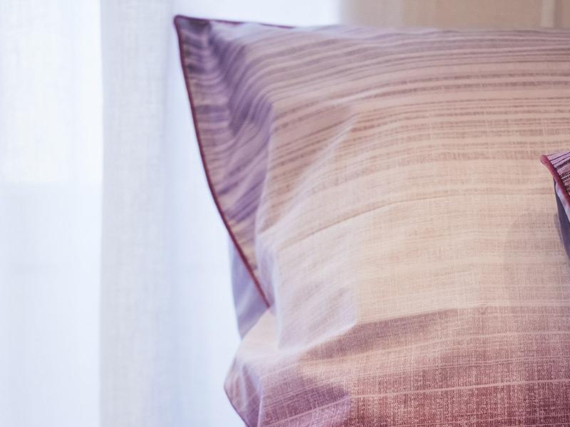 julie lavariere linge de lit haut de gamme detail cadence chic. Black Bedroom Furniture Sets. Home Design Ideas